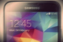 Samsung toning down TouchWiz on the Galaxy S6? Gee, that sounds familiar